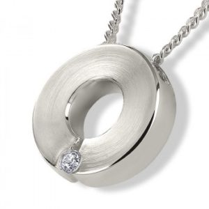 circle-sterling-silver-ashes-pendant-with-necklace
