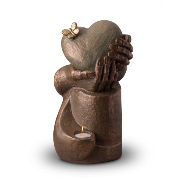 heart-in-hands-geert-kunen-designer-bronze-urn-with-candle